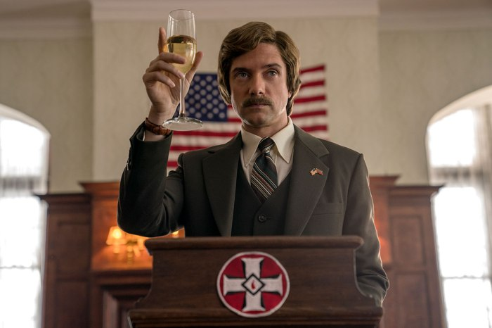 1528230292_focus-features_blackkklansman_bio_topher-grace